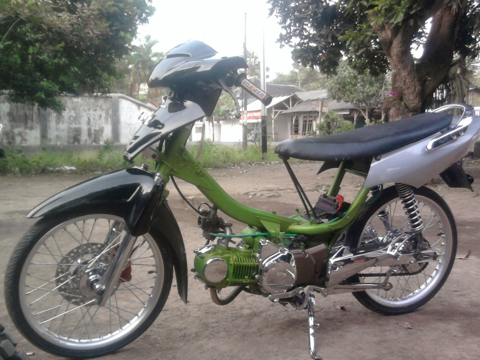 Modifikasi Honda Kharisma