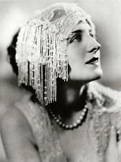 Norma Shearer, muy sencilla ella !
