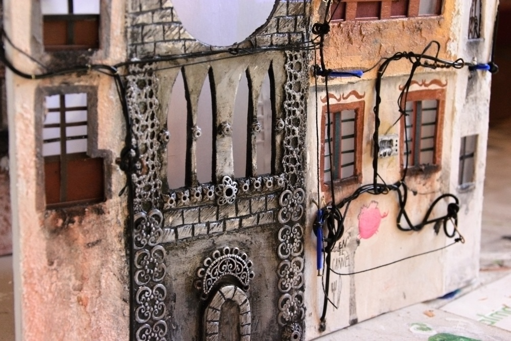 12-Katarina-Pridavkova-Fantasy-Architecture-in-Plaster-and-Clay-Town-www-designstack-co