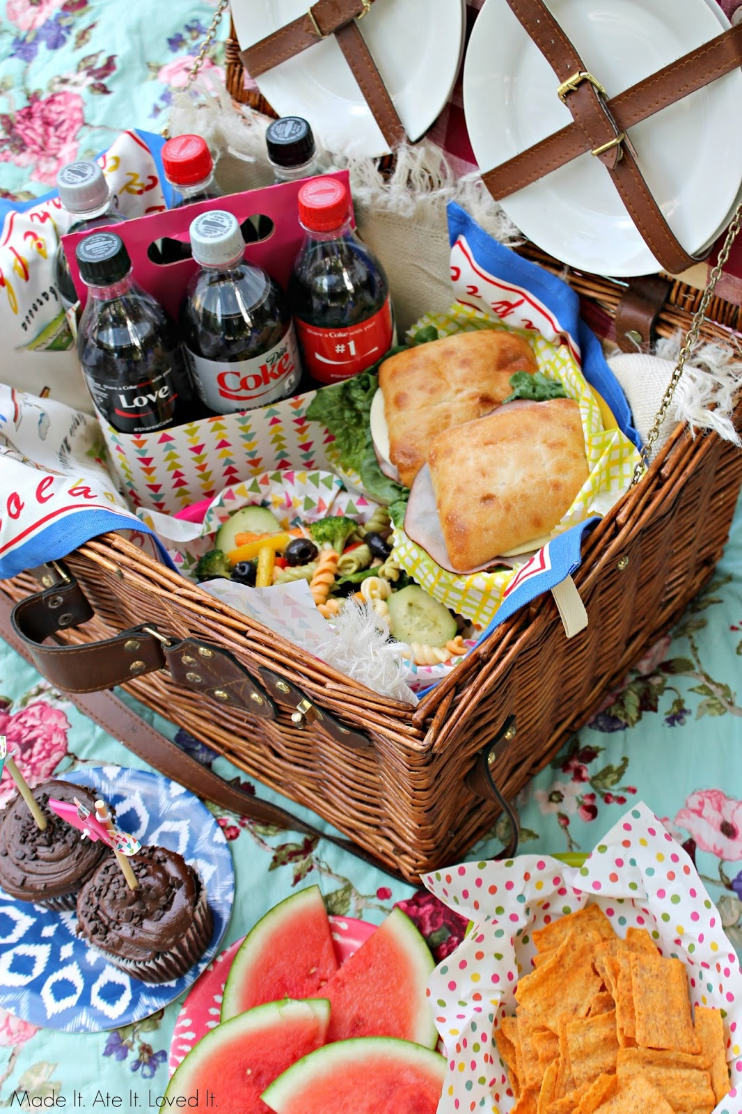 Best Picnic Basket For 2 : Made it ate loved what are the best things to