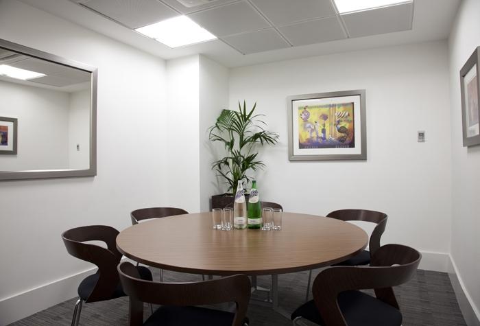 Desain interior desain ruang meeting modern desain Small meeting room design ideas