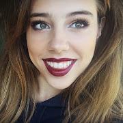 Molly|Dancer|Makeup Addict              magentatulipblog@gmail.com