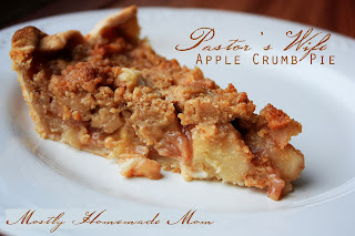 Pastor's Wife Apple Crumb Pie from www.anyonita-nibbles.com