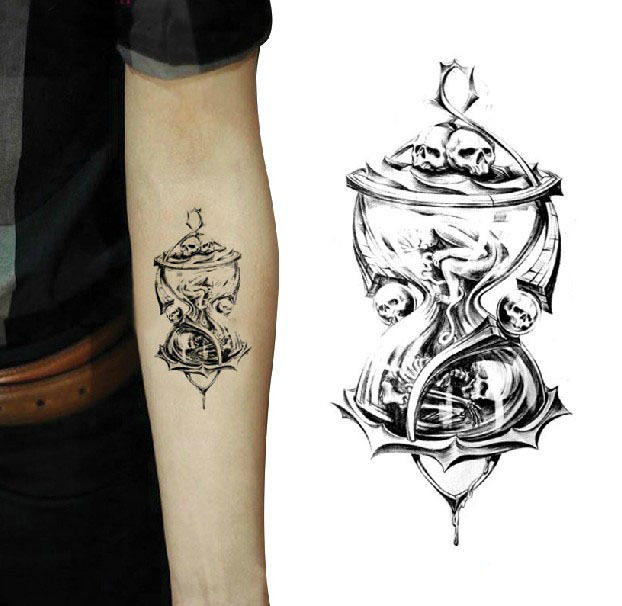 Art And Tattoo Hourglass