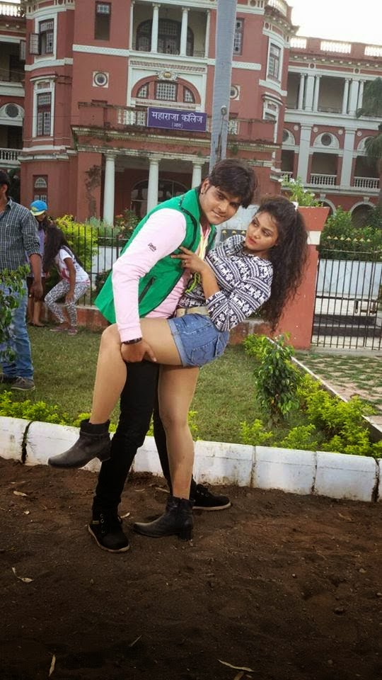Arvind Akela Kallu & Tanushree Photo Shooting shooting still form Hukumat 2