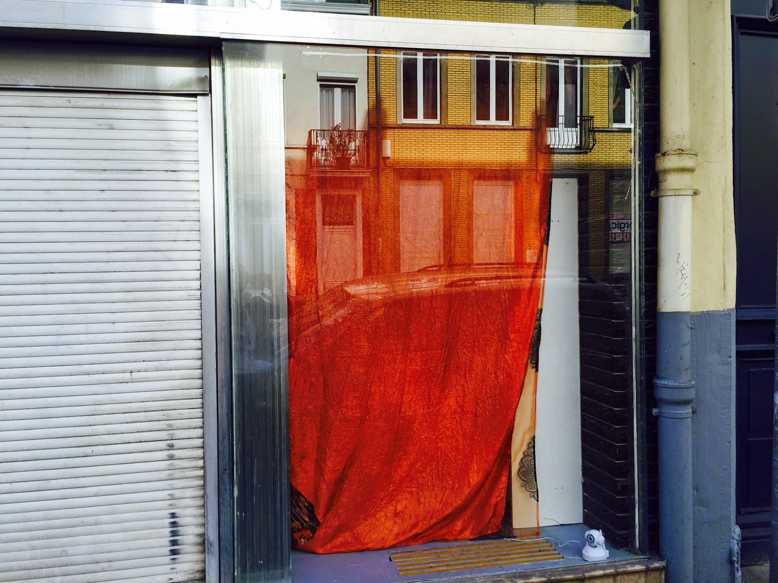 Remplacement de la vitrine dans son état d'origine