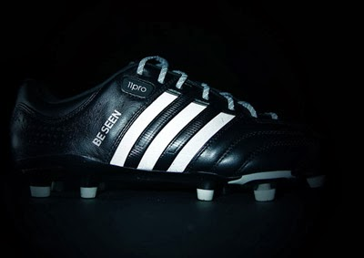 botas refectantes Adidas