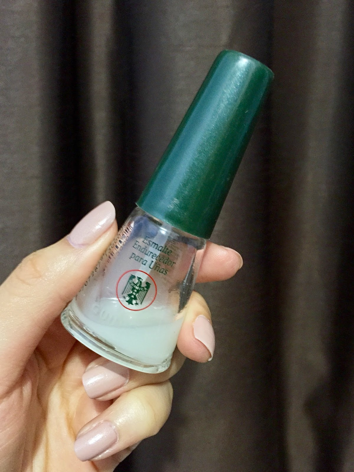 Best nail hardener I\'ve ever tried! | A Glimpse of Gold