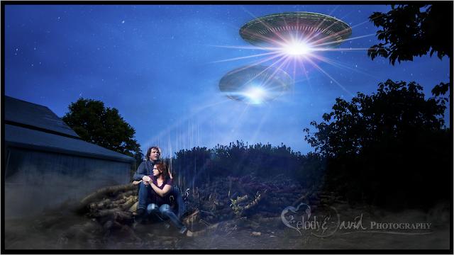 UFO engagement photo