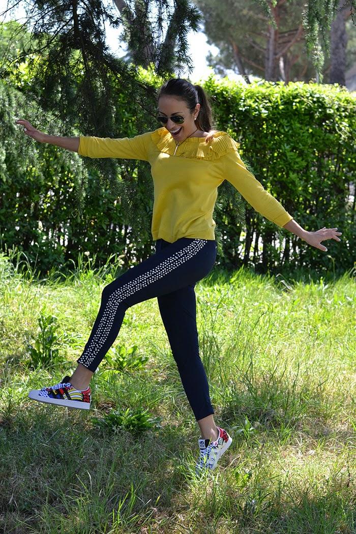yellow blouse blue pants