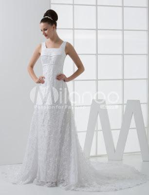 Élégante dentelle blanche A-ligne de balayage de mariage Empire Waist Dress