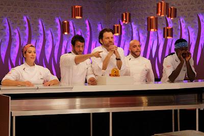 """Na foto: Chefs comandam seus familiares na cozinha do """"Hell's Kitchen"""". Crédito: Divulgação."""