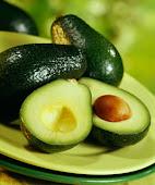 O abacate pode ajudar a regular o colesterol