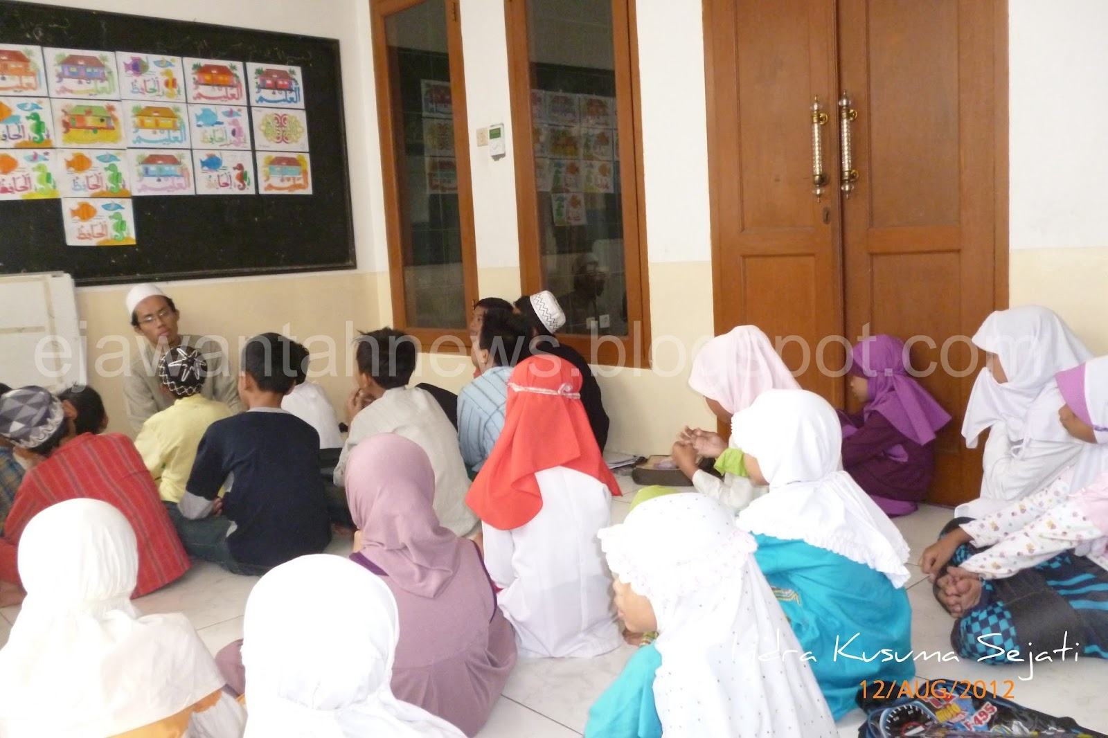 http://ejawantahnews.blogspot.com/2014/04/selamatkan-anak-jalanan-dari-prilaku.html