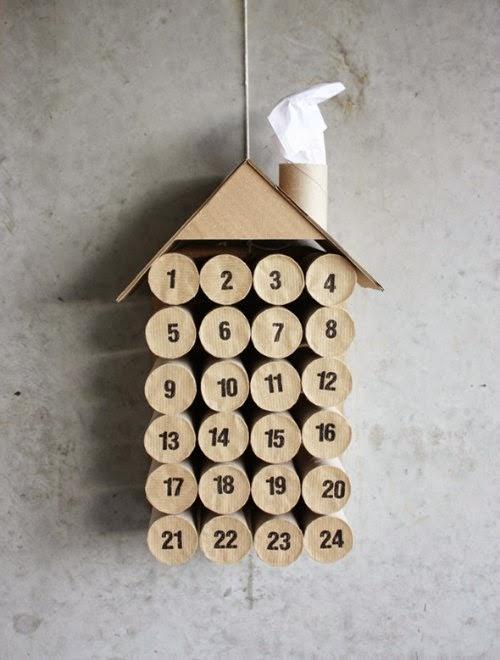 Calendario Adviento de rollos de papel higiénico con forma de casa