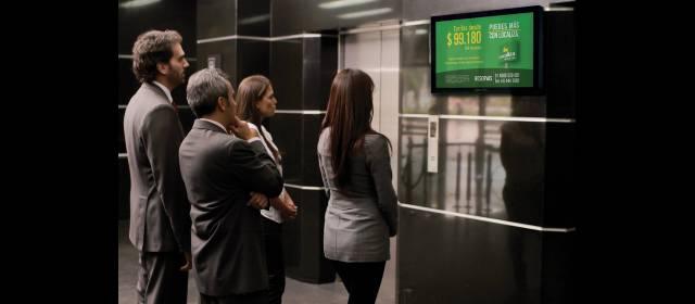 mejorar la experiencia del cliente con digital signage