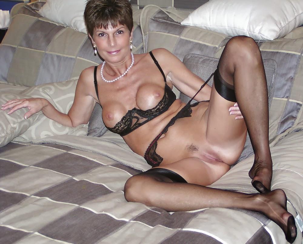 Толстые женщины в возрасте 40 50 лет голые в туалете 23 фотография