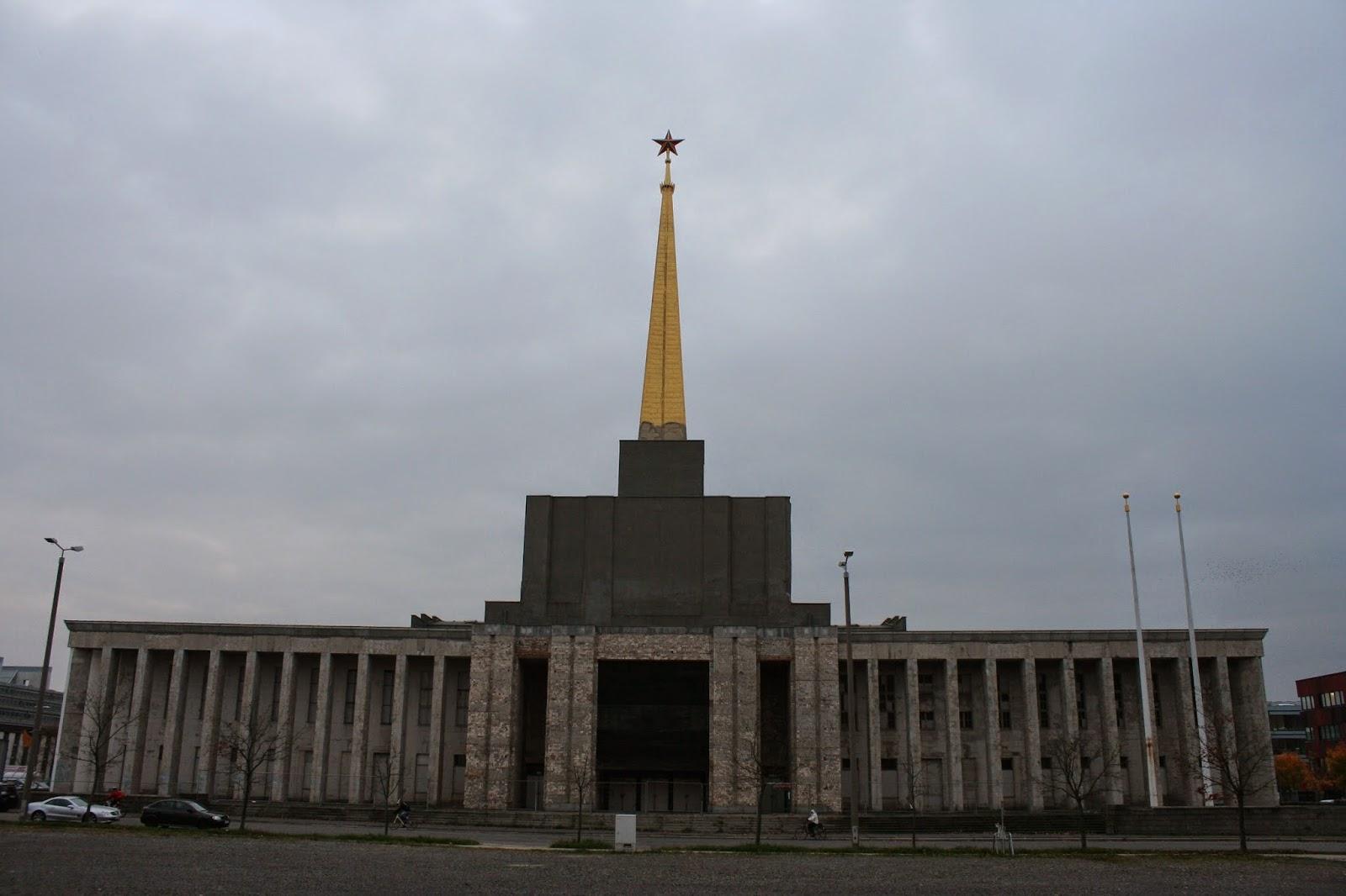 Achilleion - Sowjetischer Pavillion - bekannt Messehalle 12 - 1923/24 gebaut
