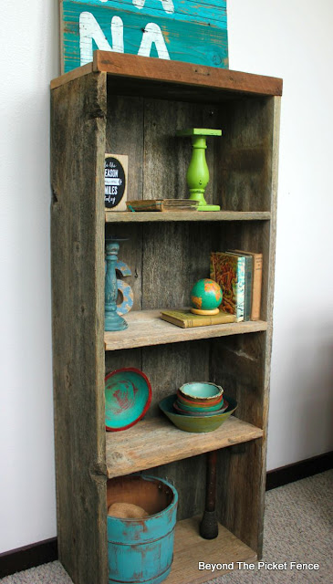 reclaimed wood, bookshelf, DIY, weathered wood, beyond the picket fence,http://bec4-beyondthepicketfence.blogspot.com/2015/07/project-challenge-reclaimed-wood.html