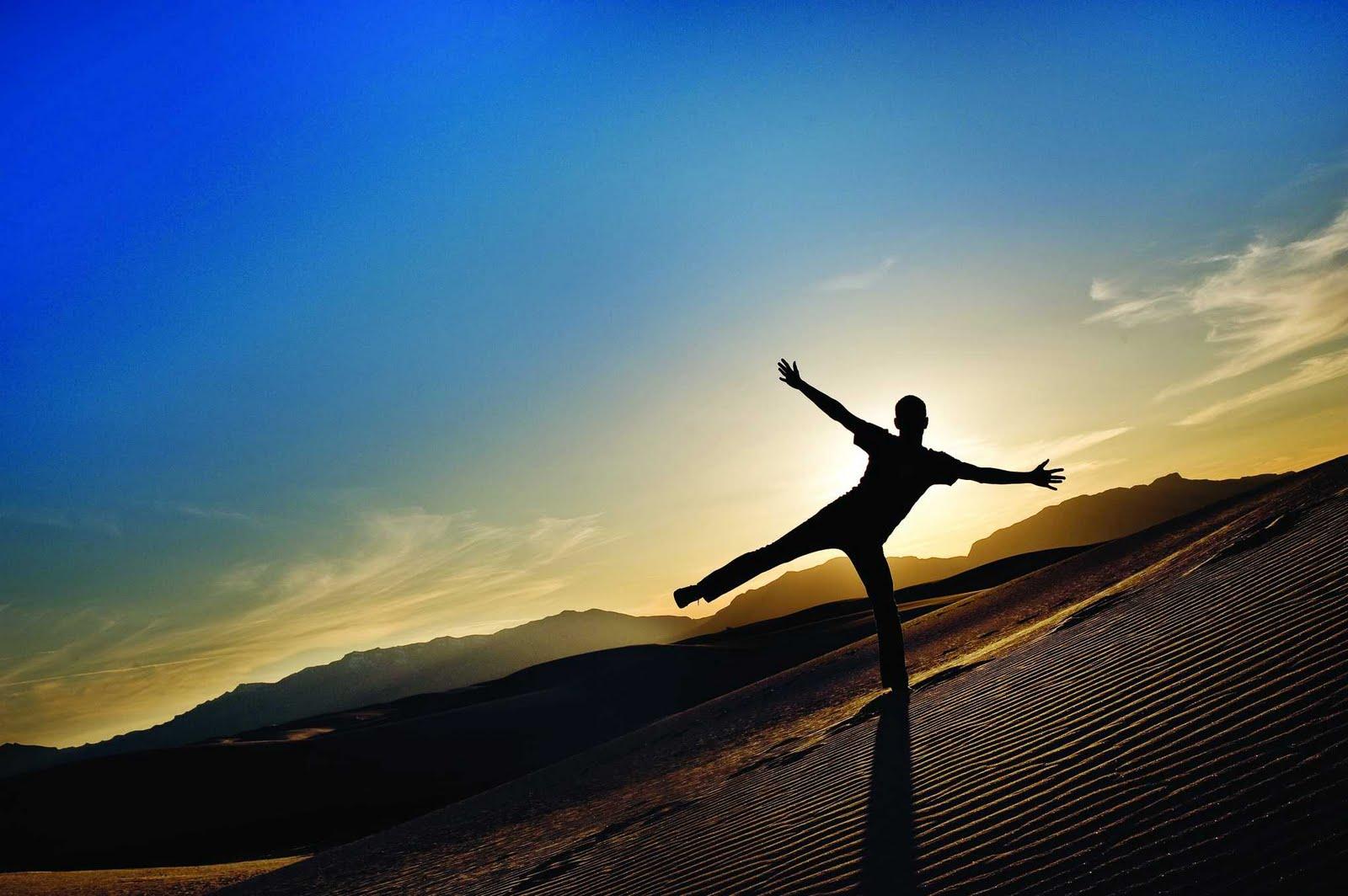 http://2.bp.blogspot.com/-jrXYo_2fBhU/TfthTRmaAlI/AAAAAAAAAkE/98Ug81Lo7iY/s1600/Yoga.jpg