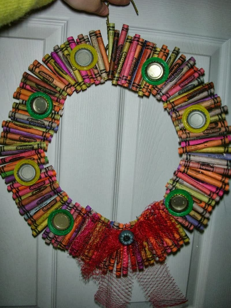how to recycle recycled christmas wreath 2
