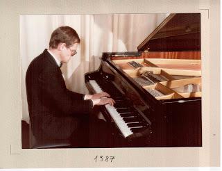 Nicola Sfredda insegnante di pianoforte a Rovereto nel 1987