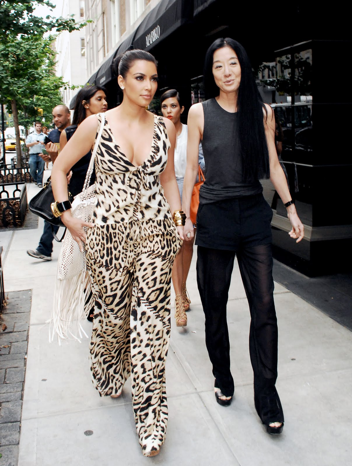 Kim Kardashian Shops her