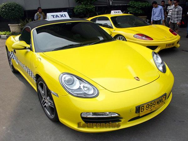 Taksi-Ferrari-dan-Porsche-MMCab_7
