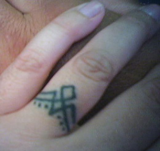 Wedding ring tattoos designs bridal wears for Wedding ring finger tattoos designs