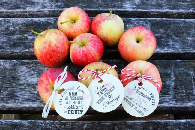 falll apple wedding favors