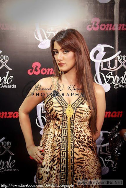 Mathira+hot+(23)