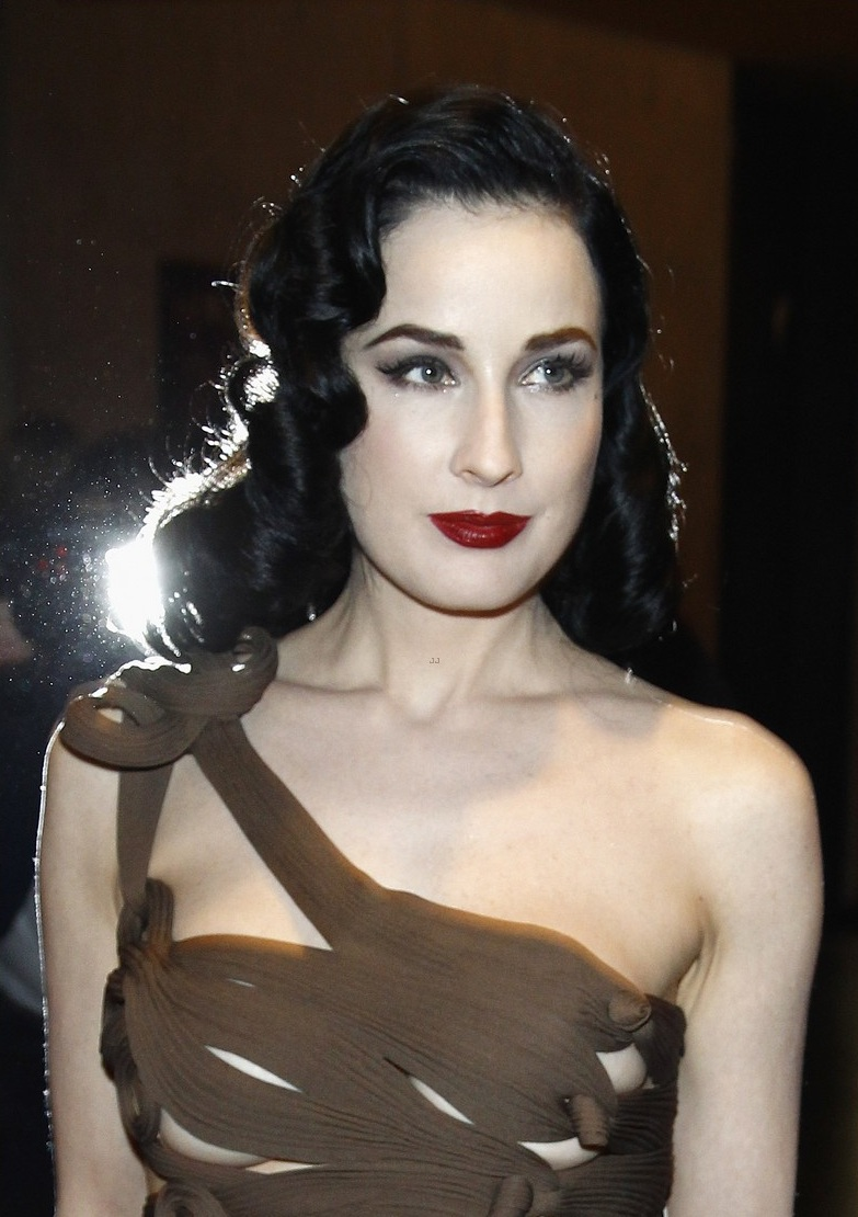dita von teese hot hd wallpapers high resolution pictures. Black Bedroom Furniture Sets. Home Design Ideas