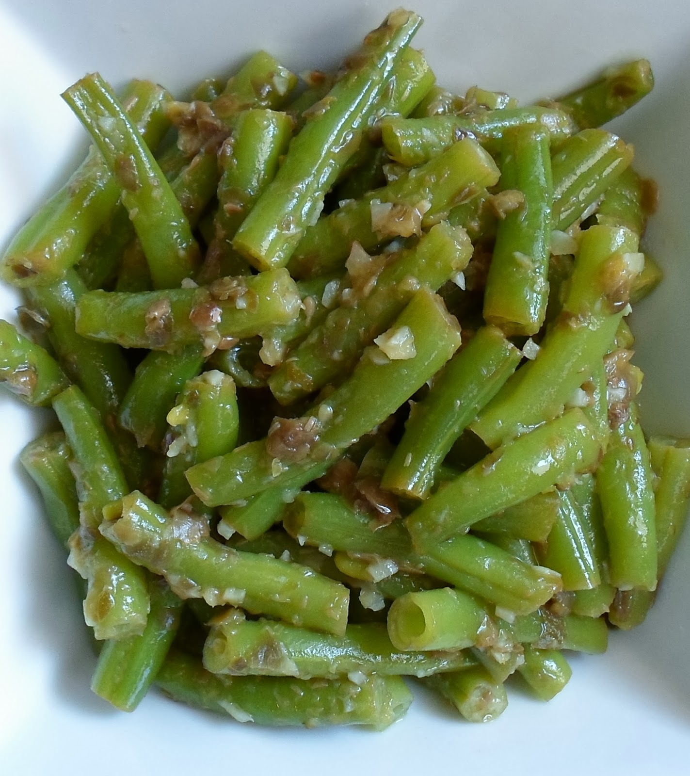 Happier Than A Pig In Mud: Garlic-Caper String Beans- New Food To Me