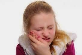 Cara Meredakan Sakit Gigi Karena Tumbuh Gigi dengan Cepat