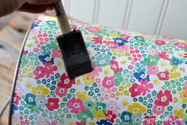 Make a Pretty Paint Can - 15 minute DIY | http://www.poofycheeks.com @kelsalexandra