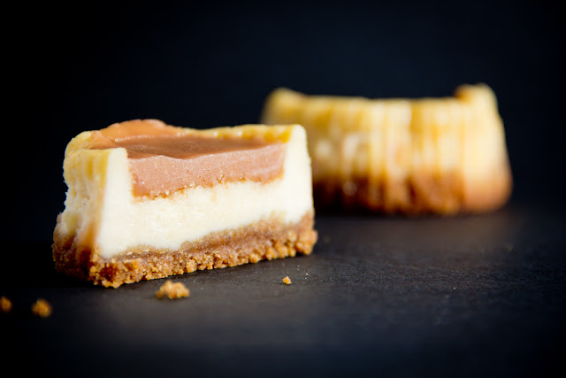 Mini tarta de queso con cobertura de toffee