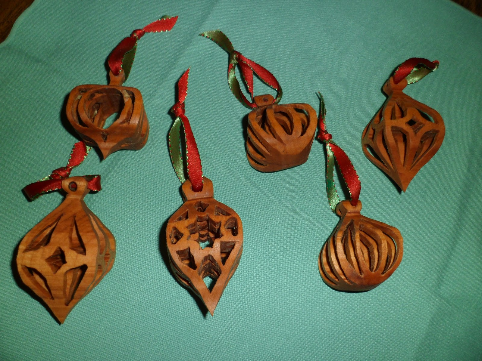 As Time Goes By: Christmas ornaments I made with my scrollsaw