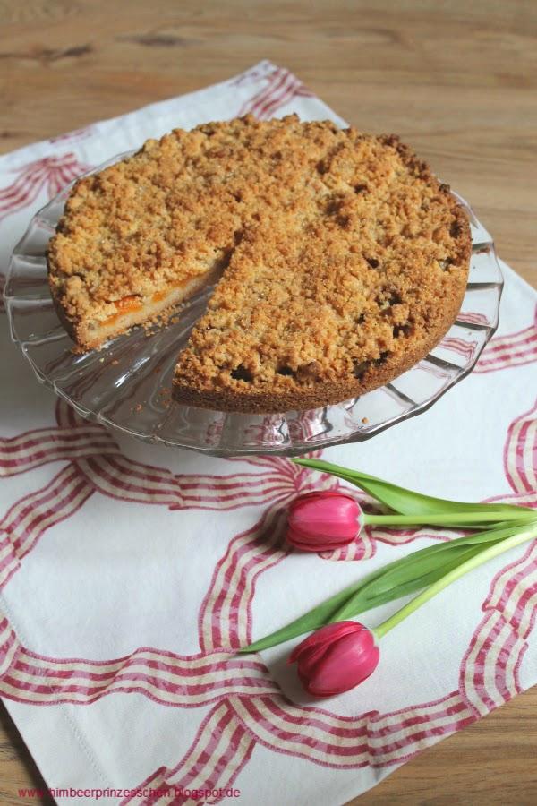 Streuselkuchen Rhabarber Aprikosen Foodblog Sommer