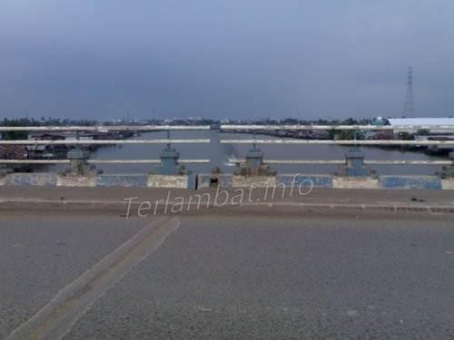 Gambar Atas Jembatan Basirih