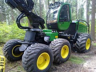 Seceratoare%2BForestiera John Deere 1270E 2 759436 Utilaje de recoltare busteni JOHN DEERE 1270E seceratoare forestiera 2009 344.000 Euro