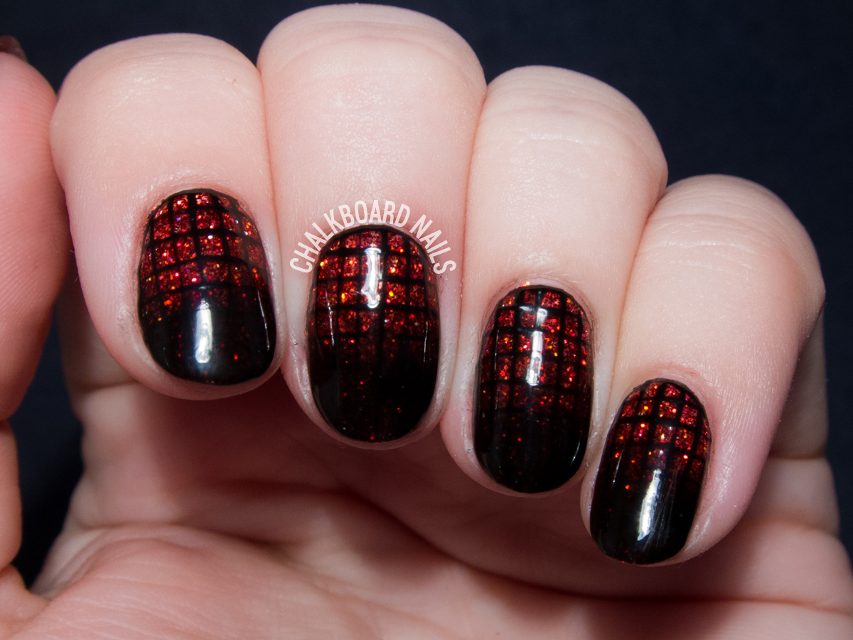 Garnet Glittering Gradient Grid Gels | Chalkboard Nails | Nail Art Blog