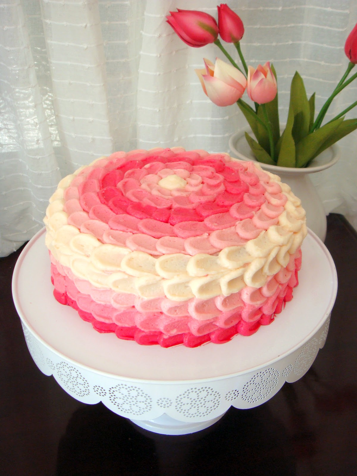 Cake Design Decoration : butter hearts sugar: Pink Ombre Vanilla Cake