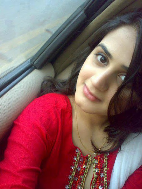 Hot and cute desi girls photo