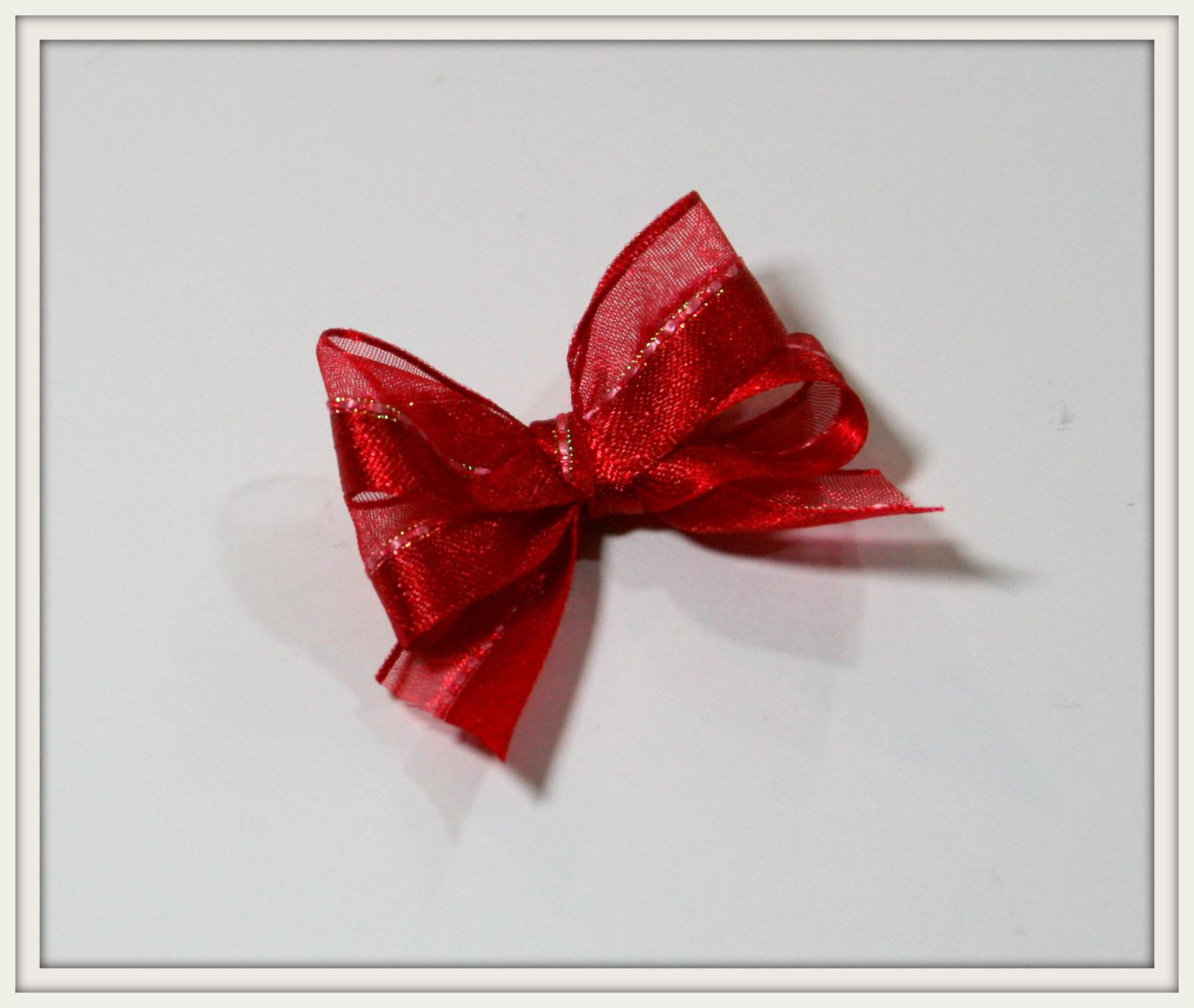 Красивый бантик из ленты на подарок 598
