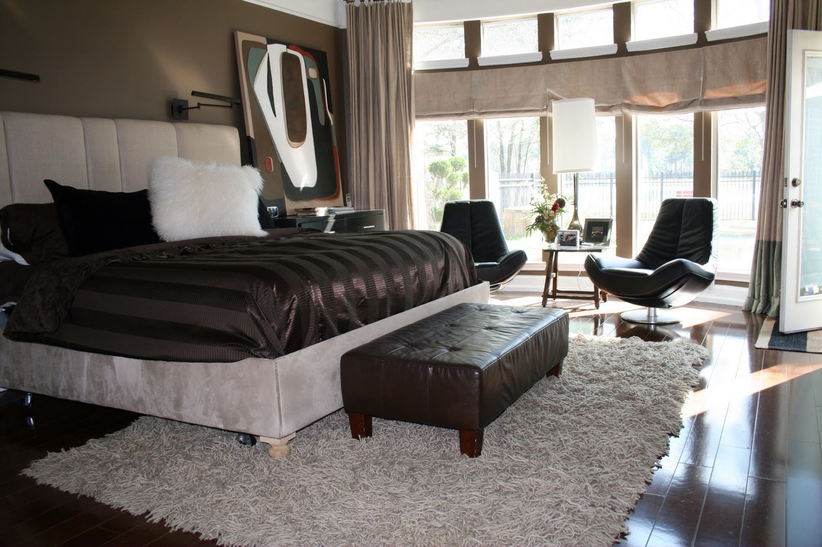 dwell in style found the shag rug you love but can 39 t find the right size. Black Bedroom Furniture Sets. Home Design Ideas