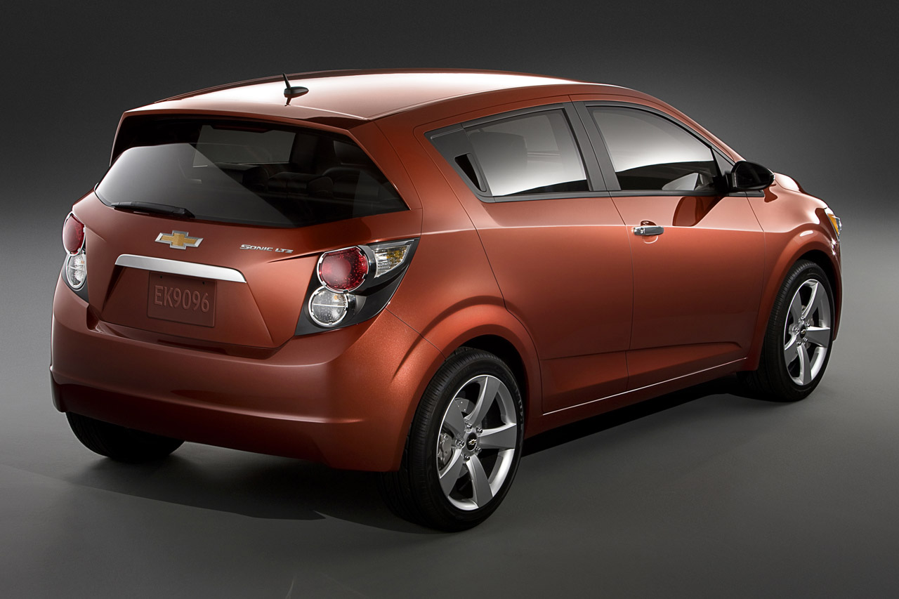 new chevrolet sonic 2012 hatchback car review with. Black Bedroom Furniture Sets. Home Design Ideas