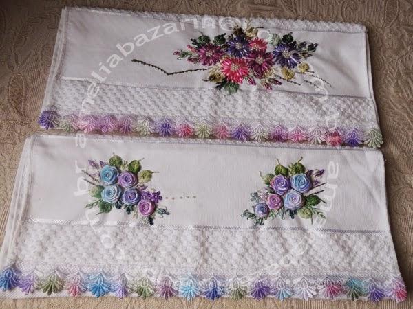 flores de fitas em cetim, toalha bordada