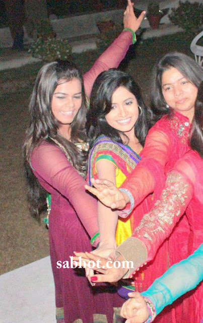 Hot Miss pooja unseen pictures celebrating diwali
