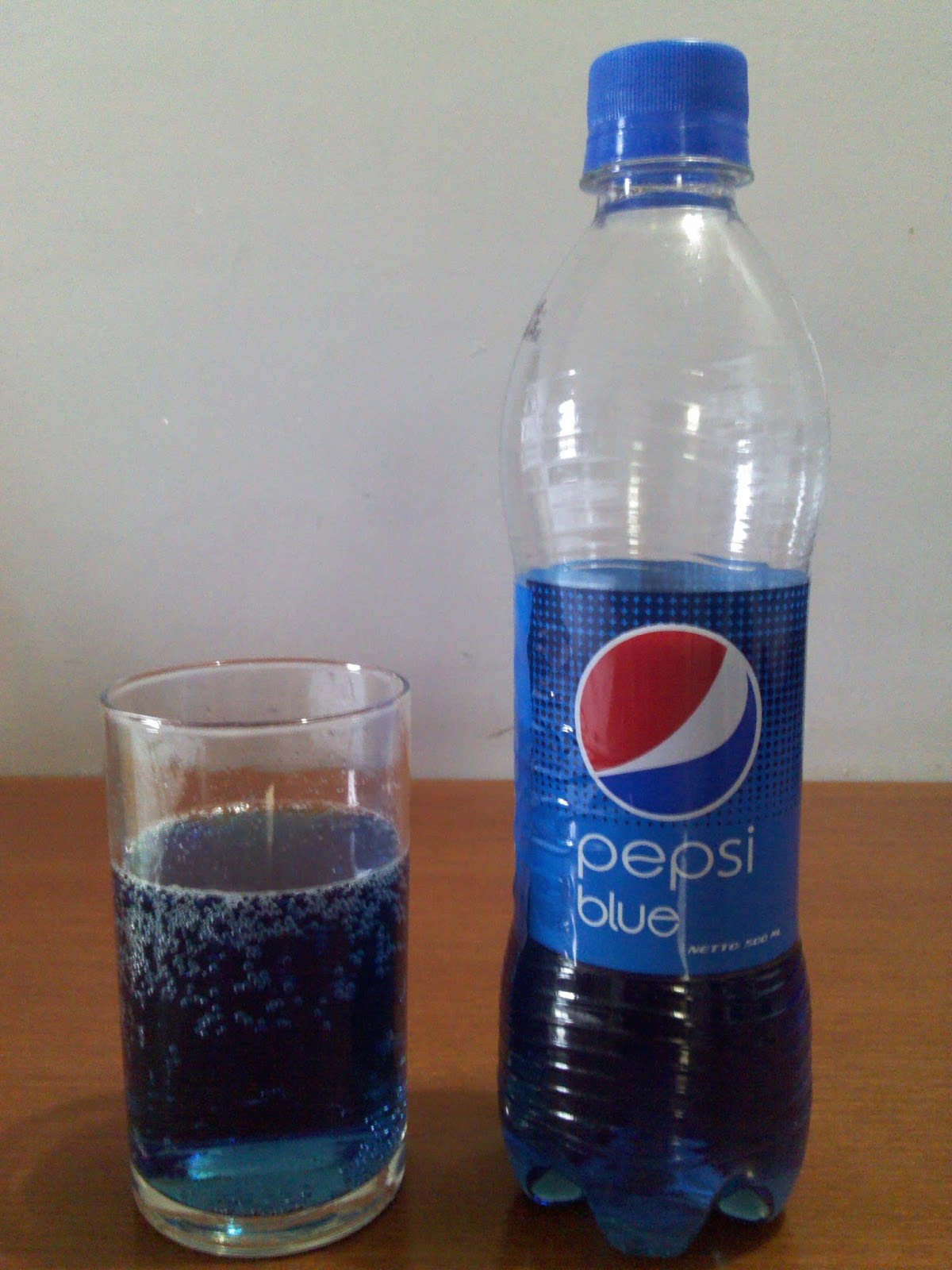 pepsi blue Pepsico has produced a number of variations on its primary cola, pepsi, over the years, including the following.