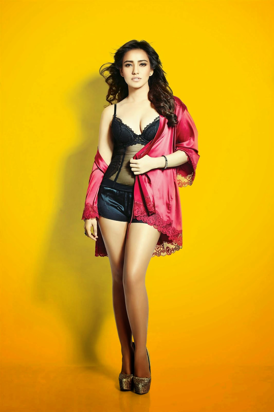 Neha-Sharma-in-FHM-India-magazine-2014-photo-shoot